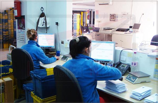 Trabajadoras correos incoversa